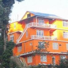 Hotel Orange Tulip in Lava