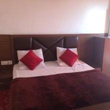 Hotel P C Sawera in Vijay Pore