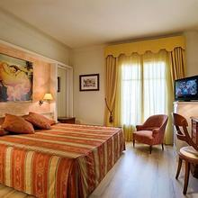 Hotel Pirineos in Cistella