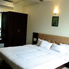 Hotel Pride Executive in Godoli