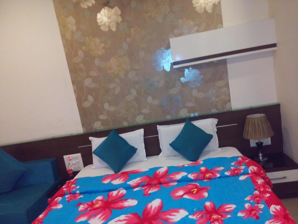 Hotel Ram Saroj Palace in Sethiya