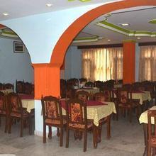 Hotel Rattan Regency in Rampur