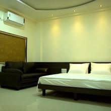 Hotel Regent in Tathawade