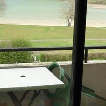 Hotel Restaurant La Chaumiere du Lac in Marigny