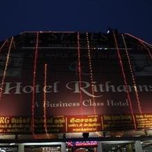 Hotel Rithanns Karumathampatti in Mopperipalayam