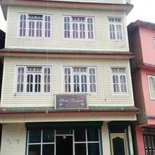 Hotel Sangrila in Damthang