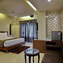 Hotel Sheela Shree Plaza in Barua Sagar