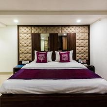 Hotel Shelter Palace in Taloje Panchnad