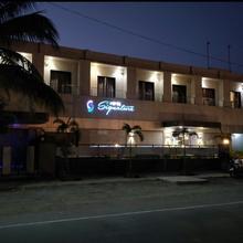 Hotel Signature in Hupari