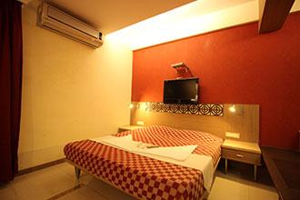 Hotel Singhs International in Ghatkopar