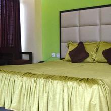 Hotel Sunview in Chandrapur Bagicha