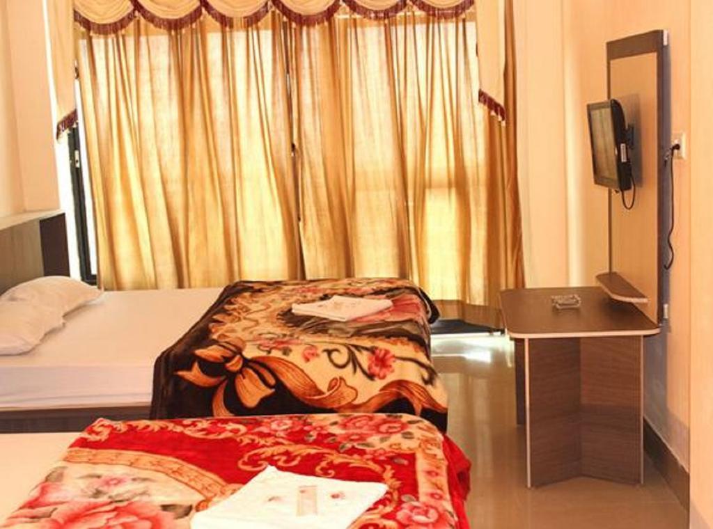 Hotel Tara in Rampur Hat
