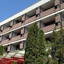 Hotel Uni in Dorgicse