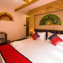 Hotel Venkatesh Regency in Cart Road