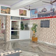Hotel VK Palace in Vrindavan