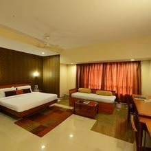 Hotel Woodland in Pune