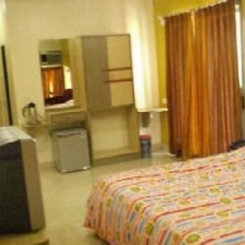 Hotel Woodland Regency in Dungra