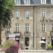Hôtel Le D'Avaugour - Logis in Lehon