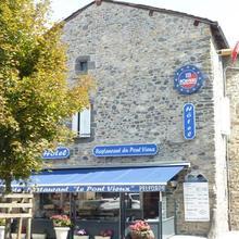 Hôtel Restaurant du Pont-Vieux in Coltines