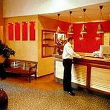 Inter-Hotel Le Berry in Mehun-sur-yevre