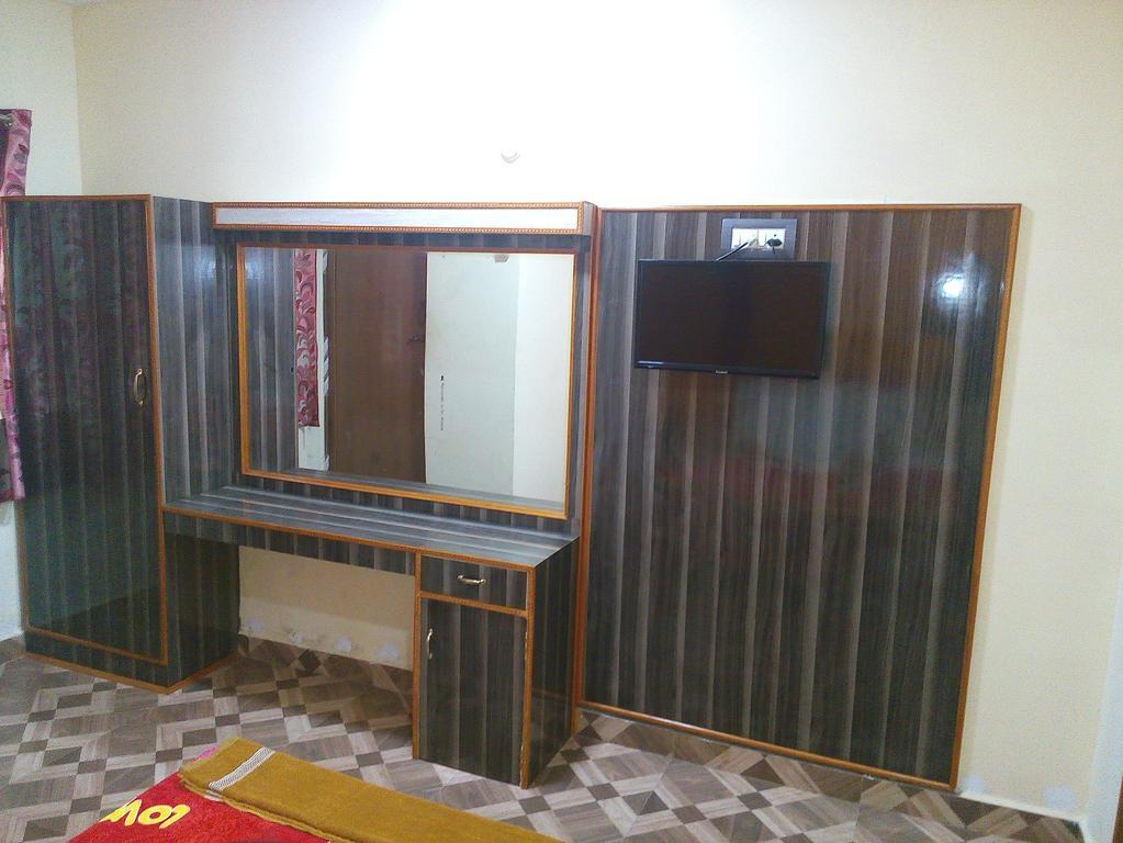 K.V.S.Residency & Hotel in Senur