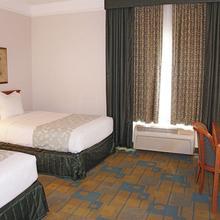 La Quinta Inn & Suites Birmingham Hoover in Lakeview Park