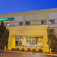 La Quinta Inn & Suites Nashville Airport in Bakertown