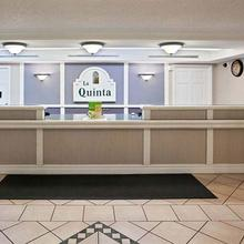 La Quinta Inn Omaha Northwest in Irvington