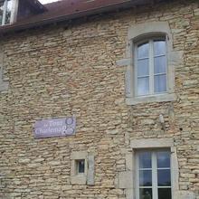 La Tour Charlemagne in Marigny