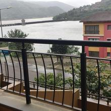 Lake View Apartment in Mulshi