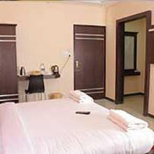 Landmaark Hotels in Uthukuli