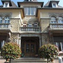 Le Castel, Noble Guesthouse in Tour-en-bessin