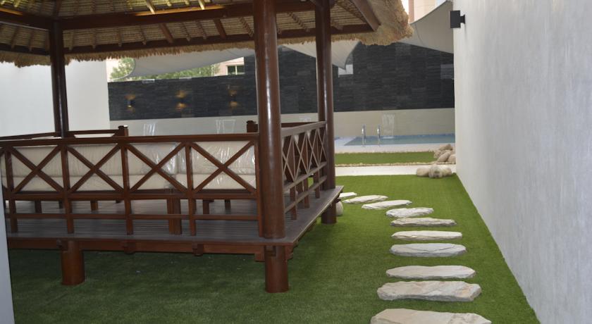 Leaders Plaza Apartments in Kuwait