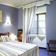 Logis Hostellerie Du Vieux Cordes in Virac