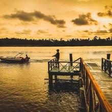 Manjaly Backwater Resort in Chendamangalam