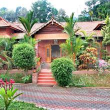 Mannaas Veedu Retreat & Spa in Chenganoor