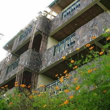 MC Mountain Home Apartelle in Mayasang
