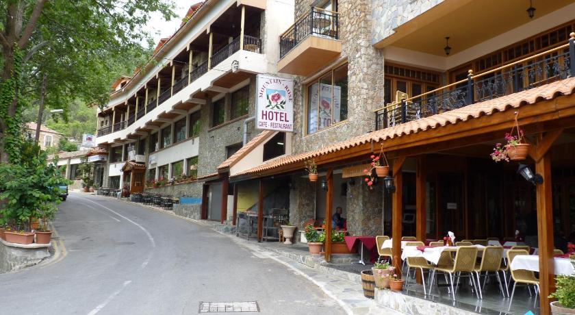 Mountain Rose Hotel in Moniatis