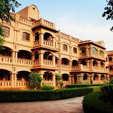 MVT Guesthouse & Restaurant in Vrindavan