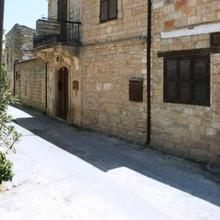 Nicolas and Maria's Cottages in Pakhna