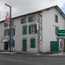 O Petit Hotel in Pouillon