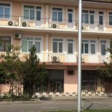 Oto Hotel in Kvariat'i