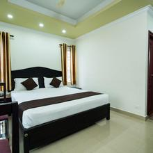 OYO 10428 Hotel Sandal Breeze in Kanthalloor