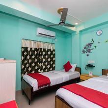 OYO 10471 Hotel Samrat Palace in Dakshin Jhapardaha