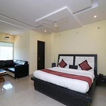 OYO 11572 Hotel Radha Regent in Aurangabad Bangar