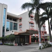 OYO 13279 Hotel Jabali Palace in Jabalpur