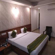 OYO 14163 Comforts Inn in Mangalore