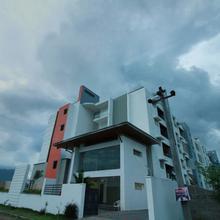 OYO 15442 Mahalakshmi Service Apartments in Veerapandi