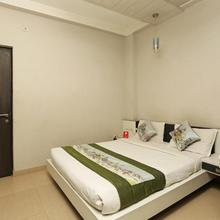 OYO 1671 Hotel Sundaram in Allahabad