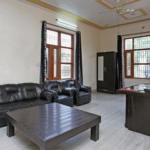 OYO 2806 Celeste Residency in Sikandrabad